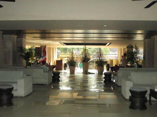 Impiana Resort Patong Phuket: Lobby