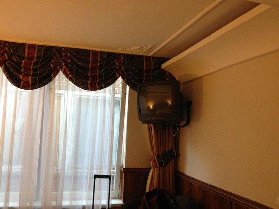 Rembrandtplein Hotel: La tv