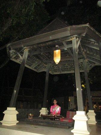 Impiana Resort Patong Phuket : Ambience at night/next to the pool