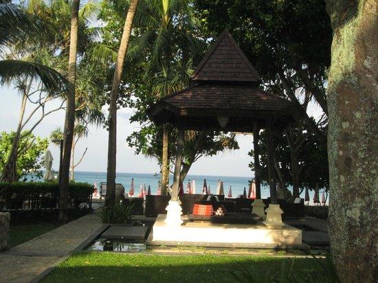 Impiana Resort Patong Phuket : View from the lobby