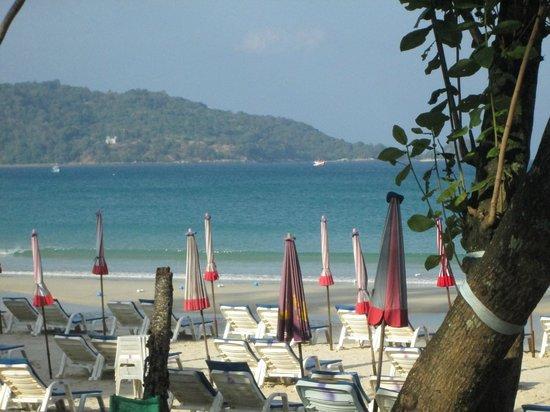 Impiana Resort Patong Phuket : View from the pool