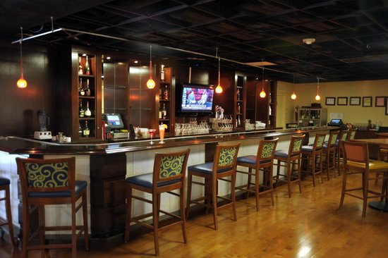 Knoxville Marriott: The Bar is a superb space for meeting and socializing
