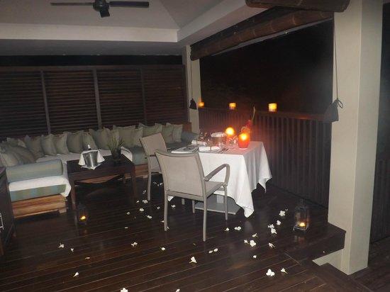 Raffles Seychelles: In villa dining