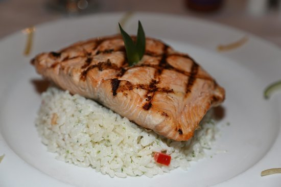 Cabana Restaurant: Salmon