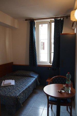 Hotel Ginevra: Einzelzimmer