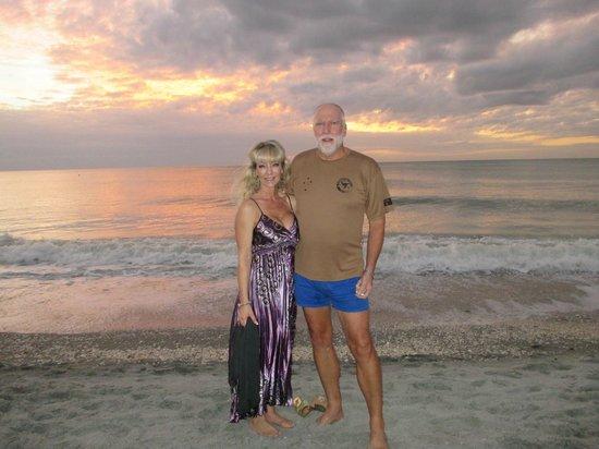 Tween Waters Inn Island Resort & Spa: Sunset Christmas Day