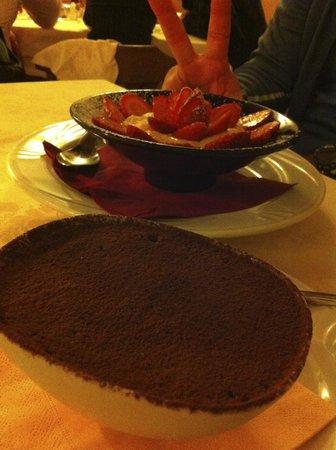 Hostaria Le Repubbliche Marinare: Tiramisu and some kind of delicious creme with strawberries