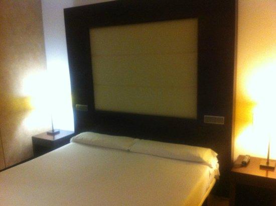 Eurostars i-Hotel: Cama matrimonio 2x2