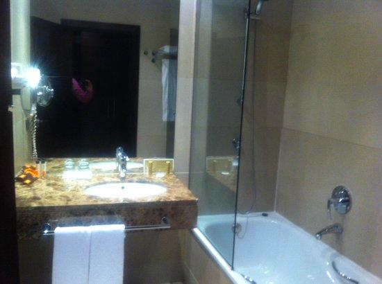 Eurostars i-Hotel: Baño
