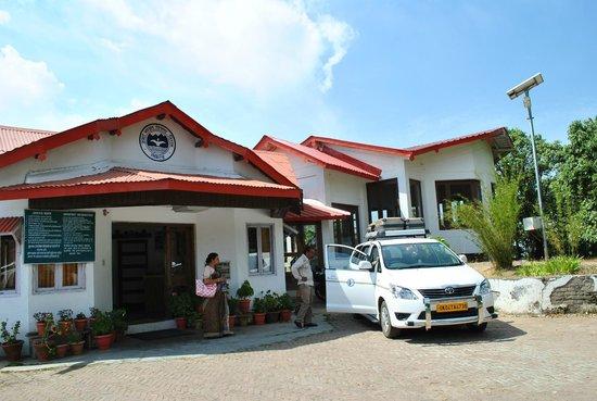 KMVN (Kumaon Mandal Vikas Nigam) Tourist Rest House: KMVN Tourist Lodge