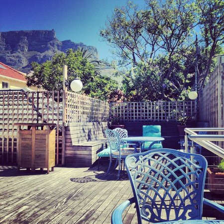 Cloud 9 Boutique Hotel & Spa: Nice view of table mountain .
