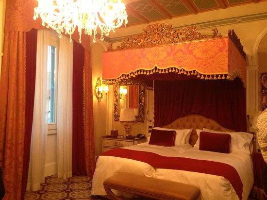 The St. Regis Florence: Premium deluxe room.