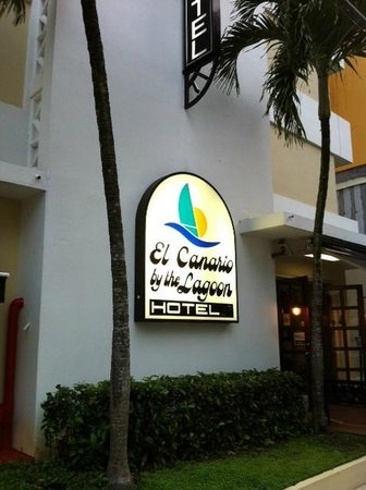 El Canario by the Lagoon: Sign