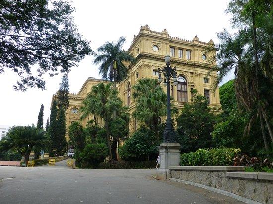 Museu Paulista (Museu du Ipiranga) : FACHADA DEL MUSEO PAULISTA DE IPIRANGA