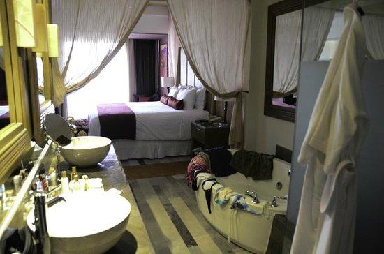 Secrets Vallarta Bay Resort & Spa: Our room - lovely!