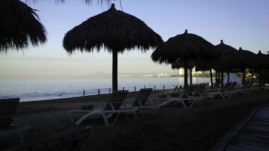 Secrets Vallarta Bay Resort & Spa: View of resort beach area