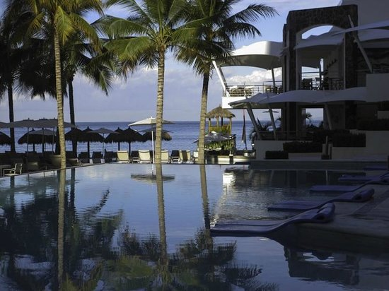 Secrets Vallarta Bay Puerto Vallarta: Fabulous pool area and swim up bar