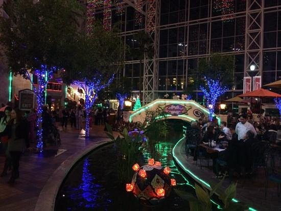 Gaylord Texan Resort & Convention Center: River Walk