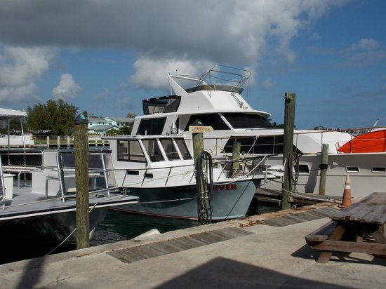 South Florida Diving Headquarters: Nice boats!