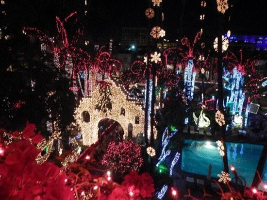 The Mission Inn Hotel and Spa: A shot of the lit-up entrance to the hotel.