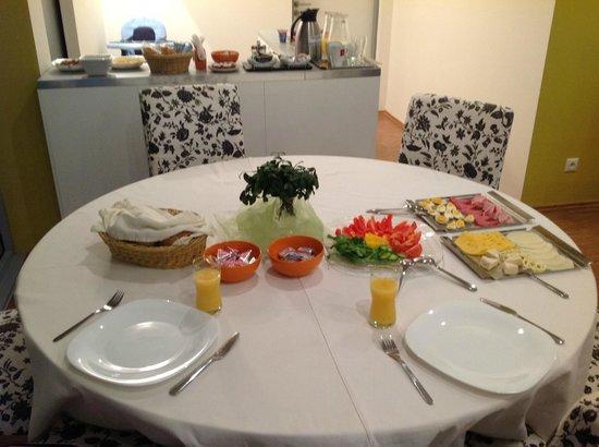 Villa Green: Breakfast. Great!