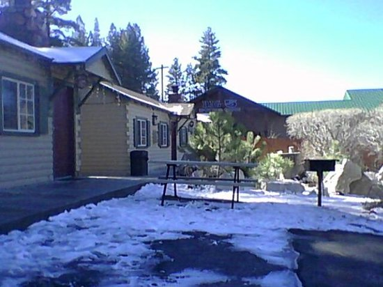 Wolf Creek Resort: Front of chalet.