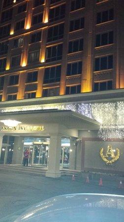 Akgun Istanbul Hotel: Fachada do hotel