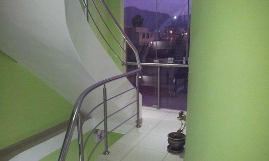Hotel Sol y Dunas: Escalera