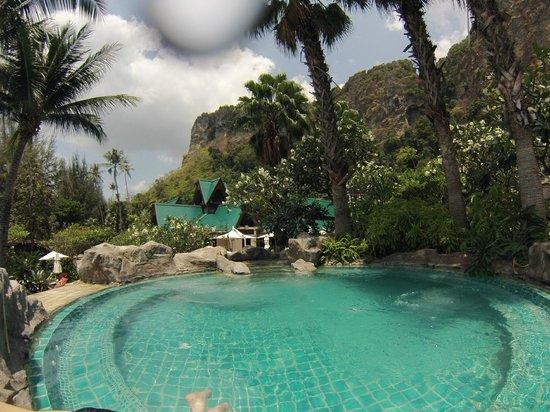 Centara Grand Beach Resort & Villas Krabi: Jacuzzi view