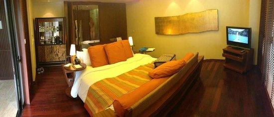 Centara Grand Beach Resort & Villas Krabi: Ocean-facing spa deluxe room