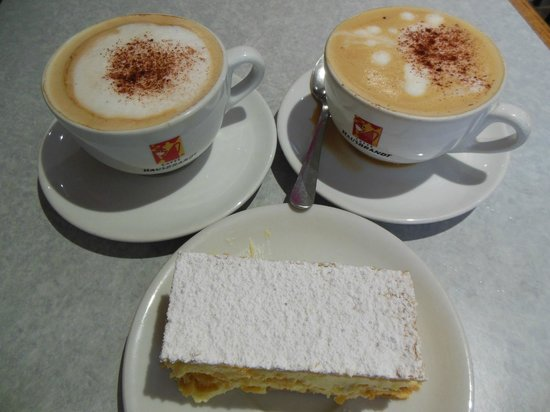La Marquisienne : Coffee and mille-feuille