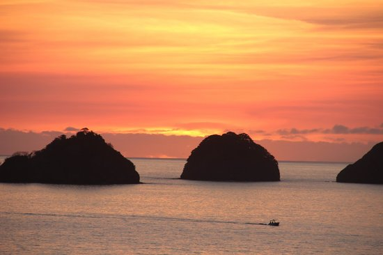 Occidental Papagayo - Adults only: definitely do the sunset walk and bring your camera