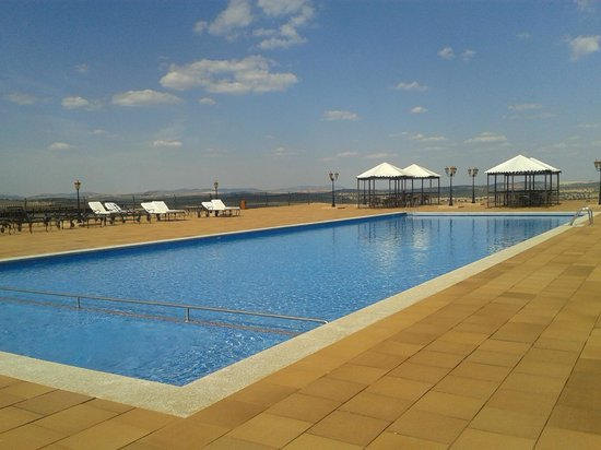 Salles Hotel La Caminera Golf & Spa Resort: The pool and terrace