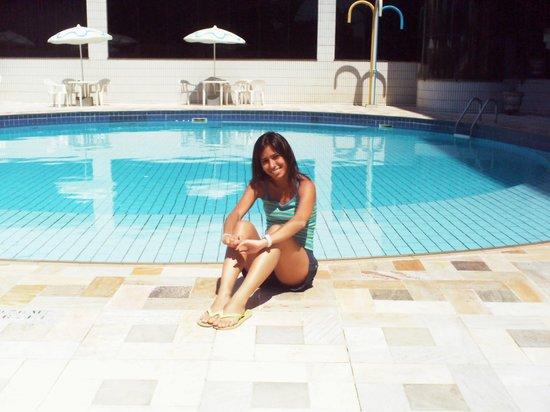Continental Inn Hotel : Área da piscina