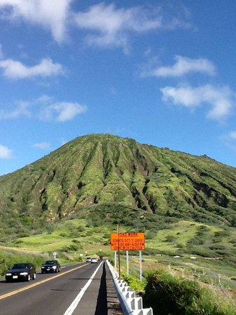 Hawaiian Style Rentals & Sales: Highway Shot Along the coast