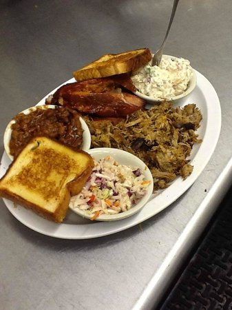 Q Slow Smoked : BBQ Plate