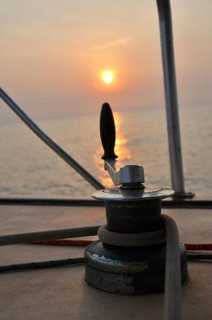 Island Cruises Sailing: winche