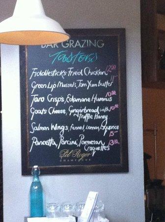 Fiddlesticks Restaurant & Bar: Bar Grazing