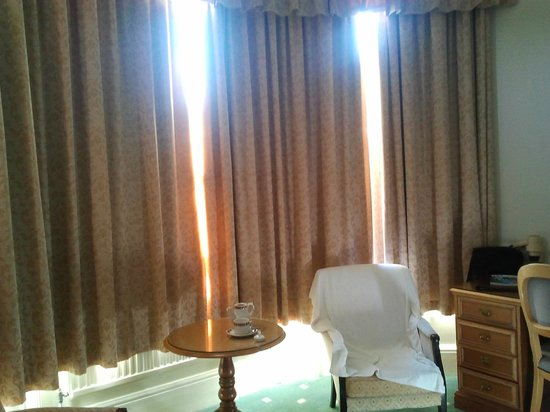 Best Western Clifton Hotel: The Room's bow window and lovely armchairs
