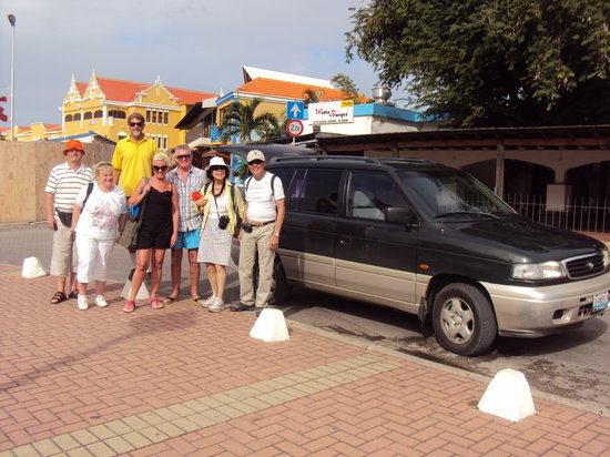 Voyager Bonaire Tours: Getting ready to start a tour with one of our guides
