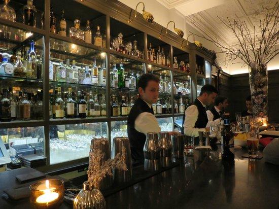 Coburg Bar: Il banco del bar