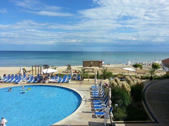 Obzor, Bulgaria: Pool- und Meeraussicht