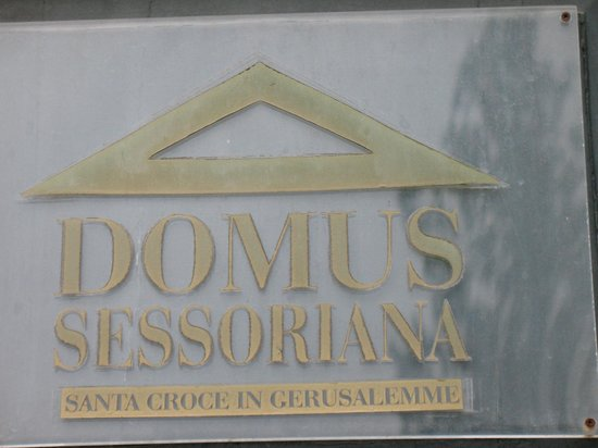 Domus Sessoriana Hotel: Hotel name