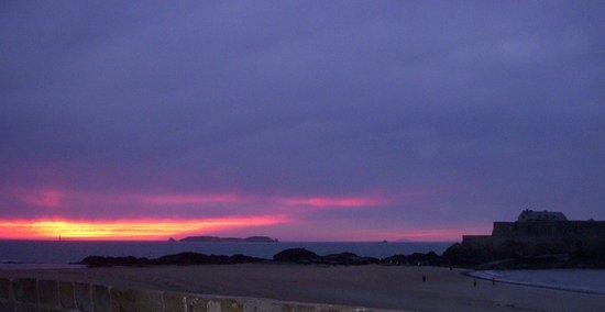 Hotel Beaufort: Beach at sunset
