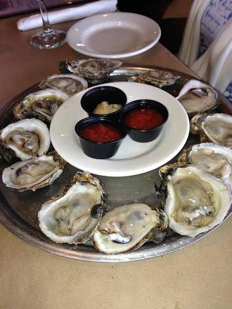 Perdido Key Oyster Bar Restaurant: Oysters were good sized