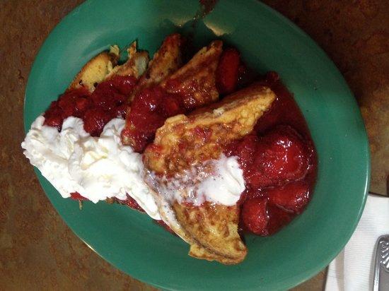 Kountry Kitchen: Strawberry waffles