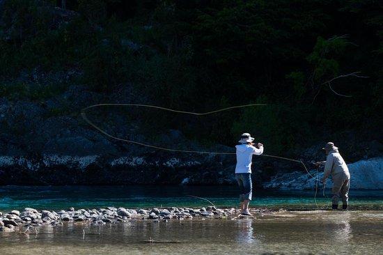 Uman Lodge Patagonia Chile: FLY FISHING