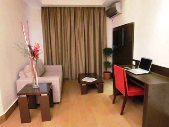 Hotel Principe & Suites : Sala