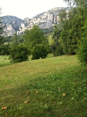 La Bastide de Moustiers : View from the back seating area in the room off the restaurant
