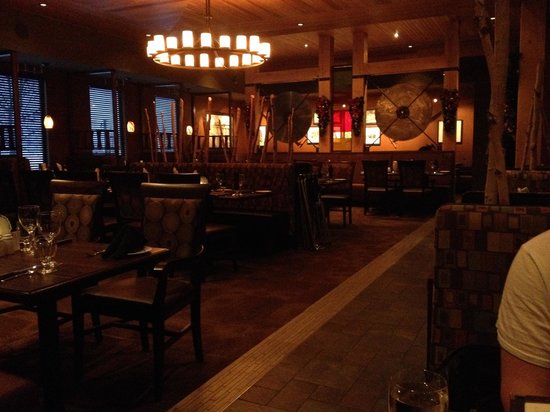 Sawmill Prime Rib & Steakhouse-FORT SASKATCHEWAN: Told I had 1 hour to eat and go. Empty place, not impressed $35 for a steak and rushed out. No r